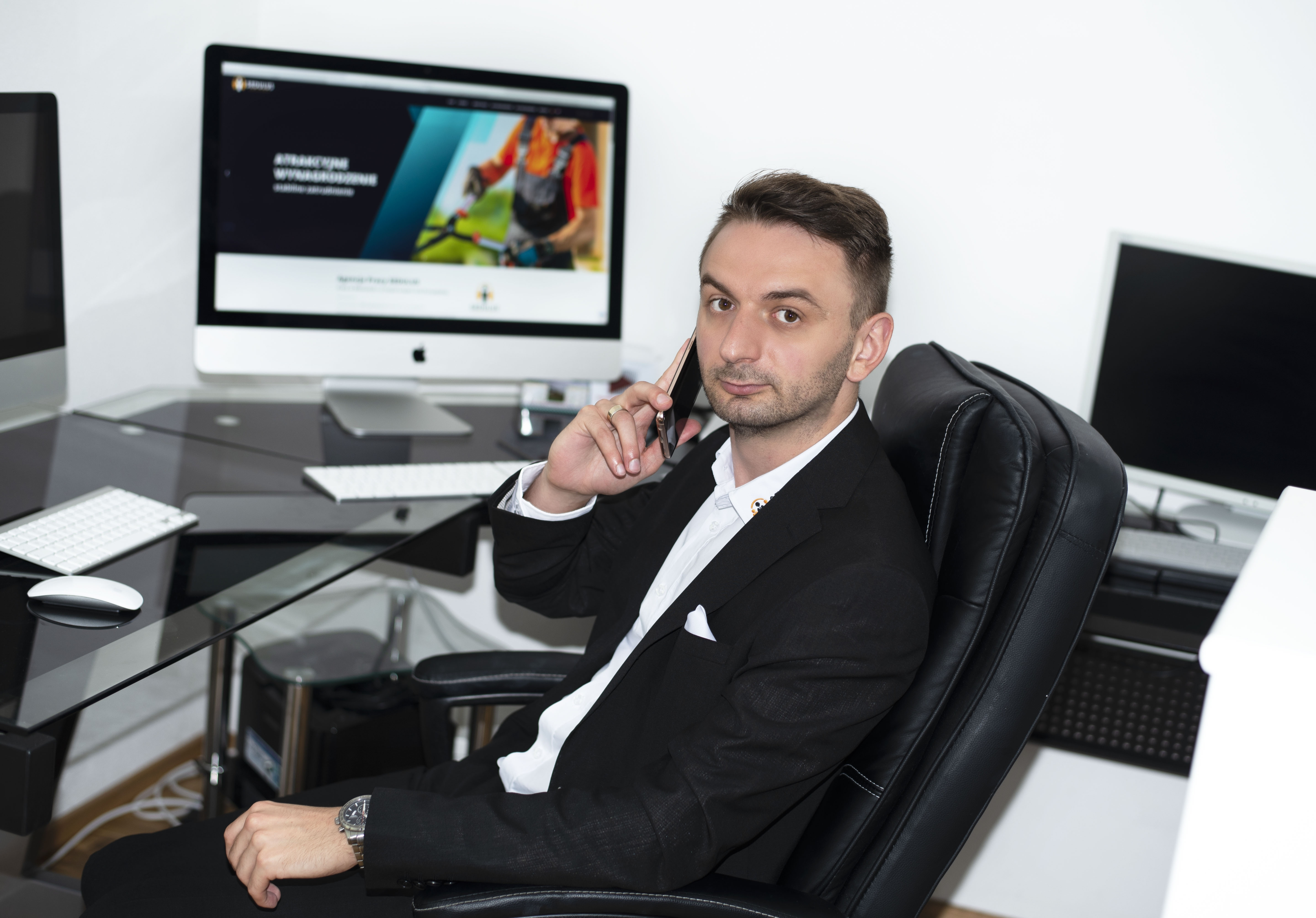Oliwer Mikus - business consultant in Germany and Poland